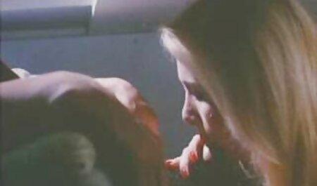 रूसी महिला मानव में उसकी माँ की सेक्सी बफ हड मूवी सुविधा देता है