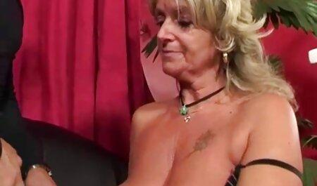 वह सोने के बीएफ सेक्सी न्यू मूवी लिए पसंद करती है