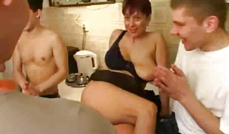 समलिंगी बफ सेक्सी मूवी स्त्रियां चुम्बन जीभ