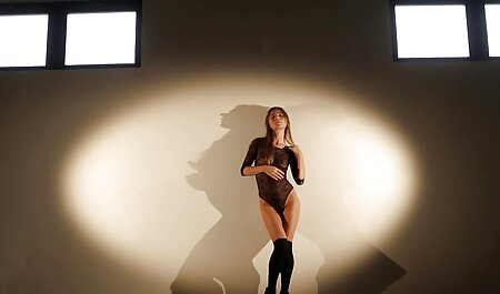 संकीर्ण स्लाइस की व्यवस्था कर रहे हैं बीएफ सेक्सी मूवी फिल्म