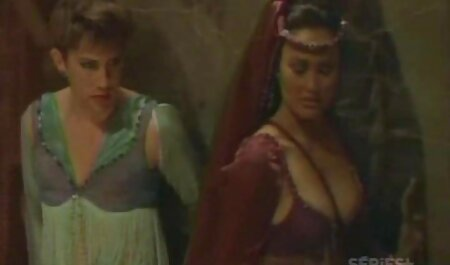 दो अंग्रेजी बीएफ मूवी सेक्सी सुंदर महिला समलैंगिकों चाट दरारें उनके