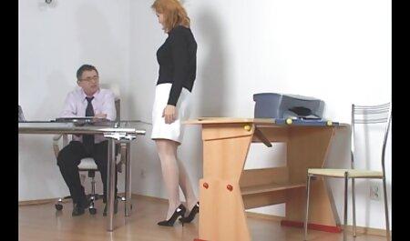 देखें, सेक्सी मूवी वीडियो बीएफ मेज पर छात्र